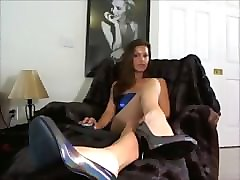 sexy french girls foot sniffing