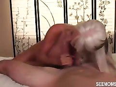my bubble butt girlfriends gives me a lap dance
