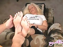 sucking sexy foot sole mp4 video