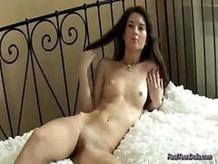 teen girl solo fingering