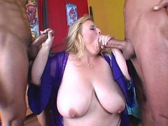 busty bbw gets kinky with balloons