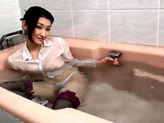 wife cheating in bath while husband came