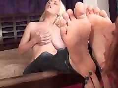 shemales fucks man sexy foot worshiping