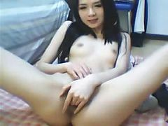 teen girl solo fingering on web cam