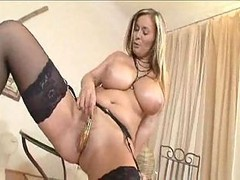 solo hot mom horny