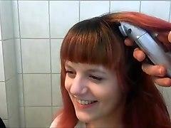 Связанной девушке бреют голову порно видео