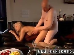 she-male/girl,gangbang