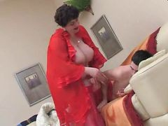 bbw dressing hidden cam