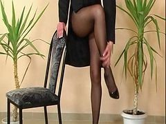 piss in pantyhose